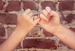 Come parlare di relazioni affettive dopo i dieci anni?