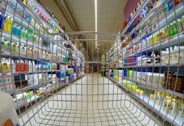 Un papà al supermercato