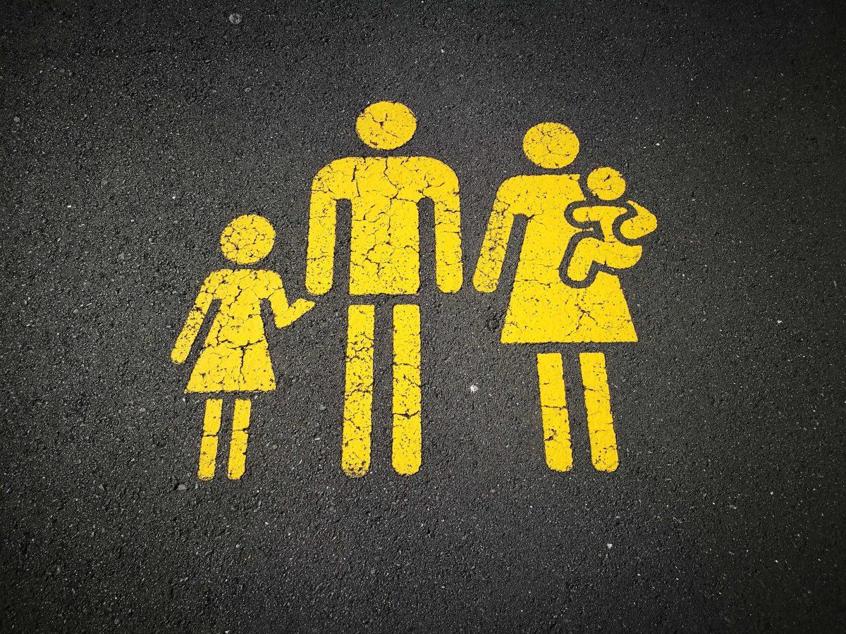 sandy-millar-KhStXRVhfog-unsplash family act